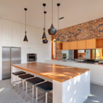Уместность декоративного кирпича в интерьере кухни